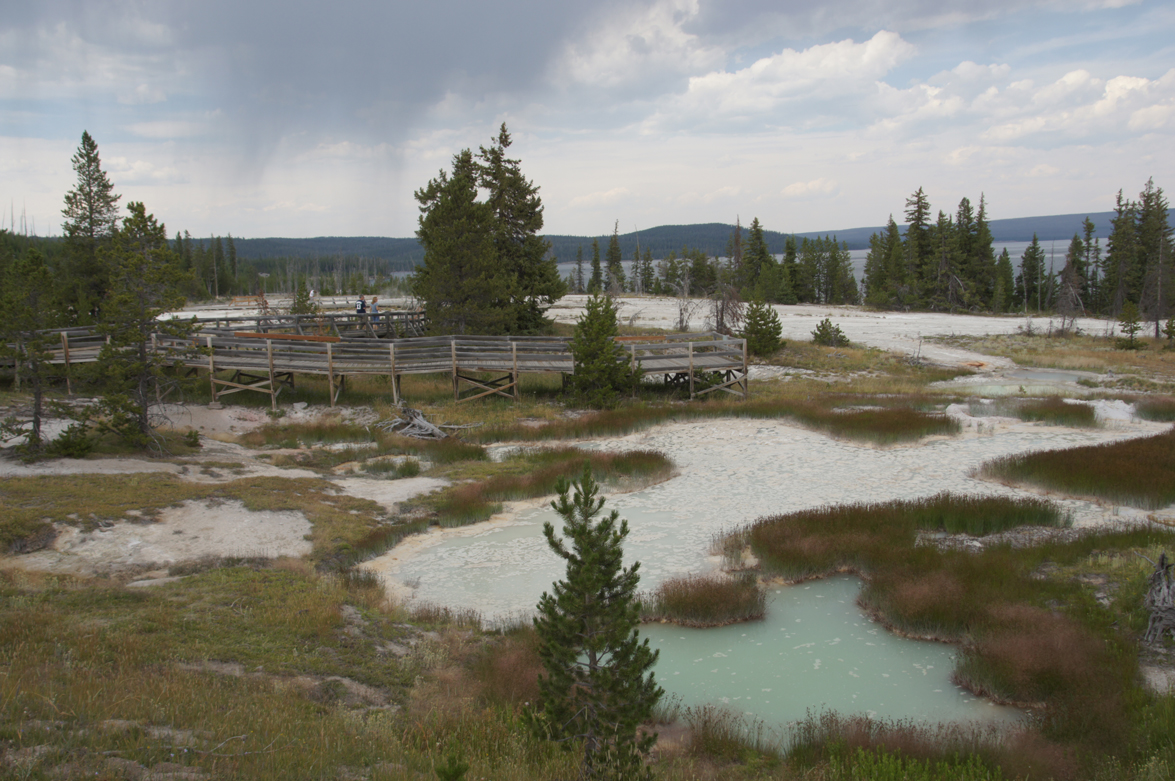 Lower-Gyser-basin1.jpg
